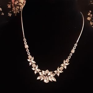 EXPRESS FACTORY OUTLET SILVER NECKLACE